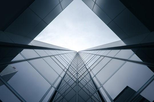 Conheça as fachadas pele de vidro